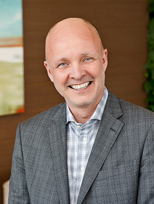 Eivind Schackt, Global Chief Executive Officer